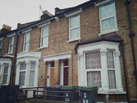 3 bedroom duplex flat in Bowes Park Bound Green near tube station