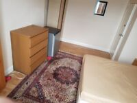 King size room for rent