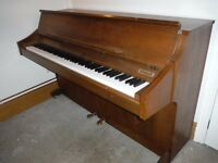 Kimball Piano. Full size Keyboard. Excellent Condition.