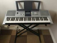 Yamaha electronic e323 keyboard and stand