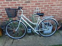 ladies silver hybrid light weight 19 inch frame richmond optima bike with basket and lock