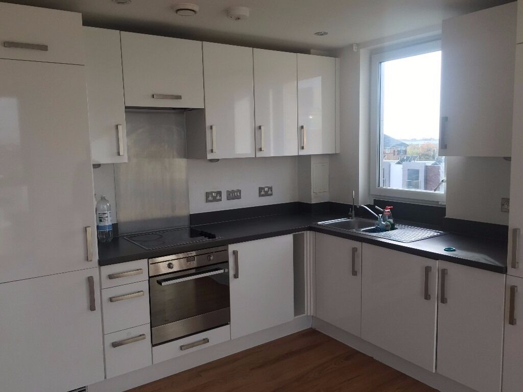 AN IMMACULATE TWO DOUBLE BEDROOM MODERN APARTMENT WALKING DISTANCE TO HOUNSLOW TOWN CENTRE.