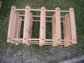 A PINE 8 BOTTLE WINE RACK
