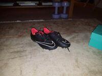 Nike Mercurial football boot (size 4) studs