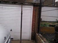 1 acro roof support beam ajustable opens to 11 feet good working order £25 ovno
