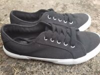 Black & White Womens Pumps Shoes Size UK 5