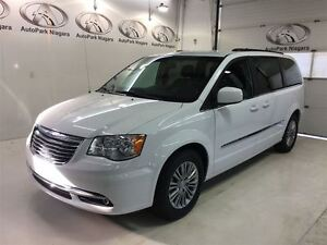 2016 Chrysler Town & Country Touring / LEATHER / PWR DOORS / U C