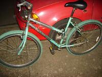 2 mountain bikes for ladies/girls/teenagers,,,need back brakes sorting,,,£25 each