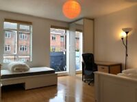 ***Very BIG and Newly painted and New furnished Double Bedroom for a 2 sharers FIBRE OPTIC 110 MBPS