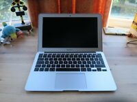 "MacBook Air 11"" Early 2014 256gb SSD"