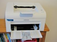 Samsung black and white Laser Printer with printer driver and install guide (ML-1610)