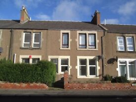 Lovely 2 bed ground floor flat with garden + patio, recently decorated GCH, DG near schools/shops