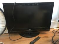LG TV (HD) - 32LG7000 - WITH REMOTE, PARTIALLY WORKING, SPARES OR REPAIR