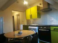 NEWLY DECORATED 2BED FLAT TO LET ERDINGTON