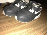 Boys infant 6.5 Nike air max trainers blue