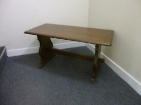 2 VERY NICE WEBBER BRAND FURNITURE OAK OCCASIONAL TABLES - A REAL BARGAIN