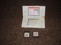 NINTENDO DS LITE WHIT WITH GAMES