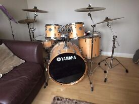 yamaha stage custom full Birch drum kit.Hardware, cymbals, seat, music stand and stickes