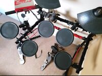Yamaha DTXpress II electronic drum kit with PA System (Squier by Fender)