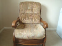 Classic 3 piece Oak framed cottage 3 piece suite 2 seater settee