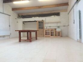 Stunning office space in the heart of Montpelier. Just under 100m2, light and airy open plan..