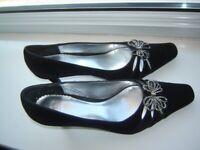 Clarks K Brigitta Black velvet feel high heeled ladies shoes. Size 7 Worn once indoors. Diamante bow