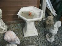 ORNATE STONE GARDEN BIRD BATH. TOP DETACHABLE. VIEWING / DELIVERY AVAILABLE