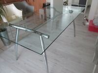 Glass Top & Chrome Base Dining Table in Excellent Condition.