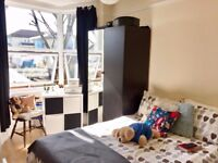 AMAZING SINGLE/DOUBLE ROOM AVAILABLE NOW... ( NO AGENCY FEES )... £140pw ALL BILLS INCLUDED...