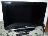 """SANYO 32"""" DIGITAL TV with Remote and Stand."""
