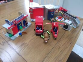 Postman Pat van and helicopter, sorting office and Ted's garage