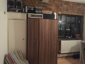 Large Double Room in Central Dalston, Hackney