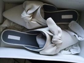 Brand New Boxed White Leather Topshop Mules Size 7