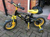 Apollo Stinger 12'' bike with stabilisers