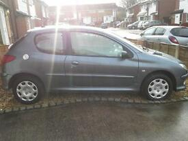 REDUCED Peugeot 206 1.4 look