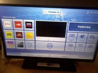 """TOSHIBA 24"""" Smart LED TV COMBI,built in DVD PLAYER,Wifi,Netflix,Youtube,Freeview HD,Great condition"""