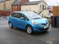 One lady owner Honda Jazz 1.4 v-tec ES 2011 with 19930 miles