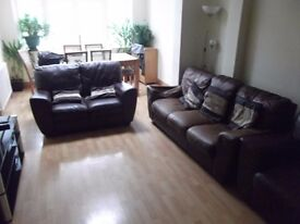DOUBLE ROOM DOUBLE BED FULLY FURNISHED ALL BILLS INCLUDED NEW BED PAINT CLEANER MOVE IN TODAY!!