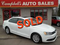 2011 Volkswagen Jetta 2.0L COMFORTLINE SUNROOF!! HEATED SEATS!!