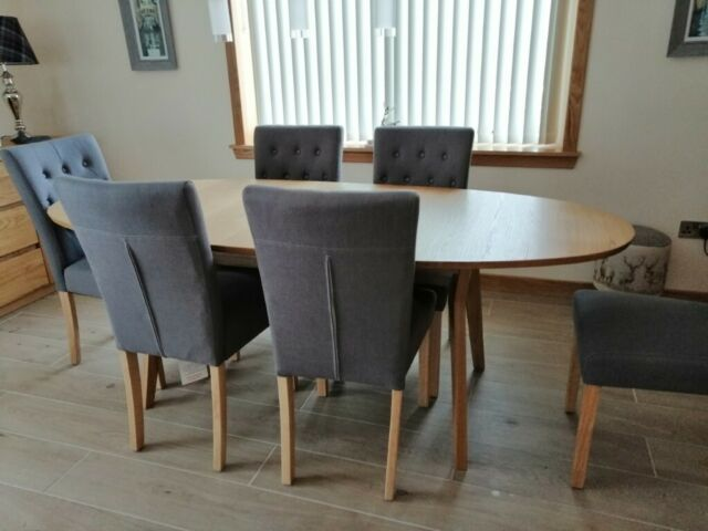 Beautiful Oak Dining Table And Chairs