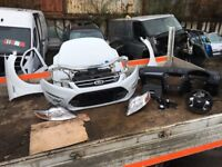 FORD MONDEO TITANIUM 2014 FRONT END, AND AIRBAG KIT COMPLETE WITH PARKING SENSORS WHITE