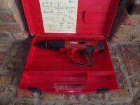 HILTI DX460 F8 ACCURATED NAIL GUN, BOXED