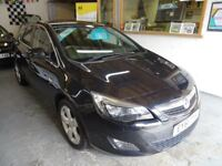 2011 VAUXHALL ASTRA 1.4 MANUAL, 5DOOR, BLACK, FULL SERVICE, DRIVES LIKE NEW, CLEAN CAR.