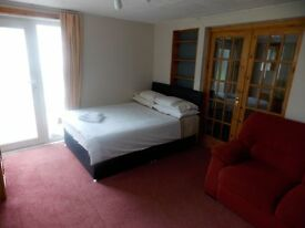 Rooms to let, Fully Serviced, Guest House - Dyce, Stoneywood and Bucksburn - Bills Included