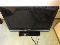 "Sony 32""/80 cm LCD Digital TV Model KDL-32V5500 with free Sky box"