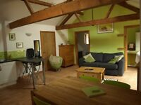 1& 2 bed holiday barn Norwich Norfolk dates available AUGUST 4*gold lakeviews in countryside nr city