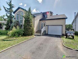 369 900$ - Maison 2 étages à vendre à Ste-Julie