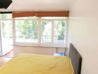 Double Room in Apartment with Balcony