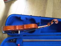 Child's fiddle, 3/4 size (21.5 inches), made in wood, complete with case and bow