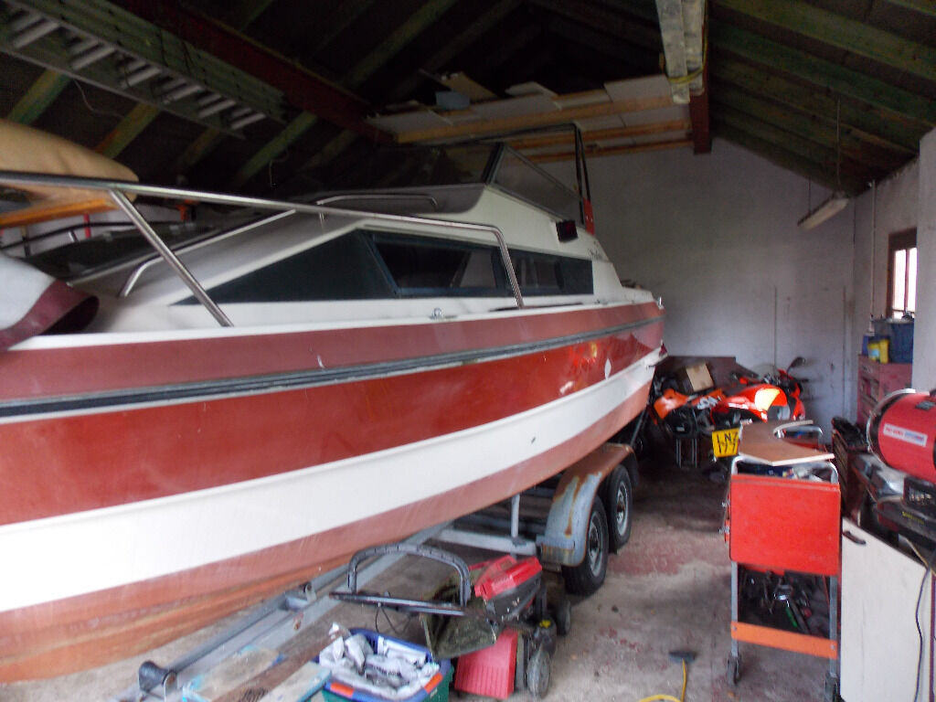 Cabin Crusier Boat For Sale
